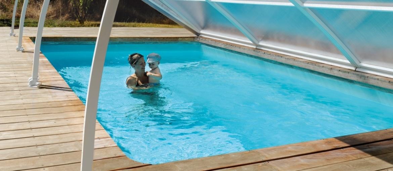 De efficiente en discrete zwembadoverkapping