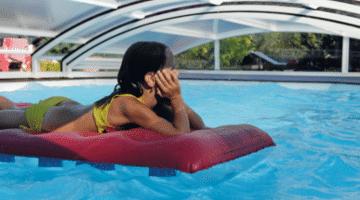 De prijs van een zwembadoverkapping